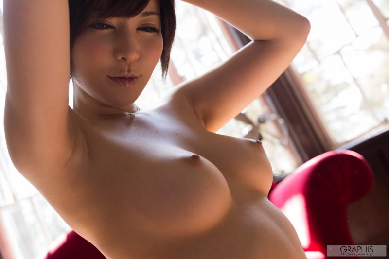 yuria-satomi-naked-home-graphis-36