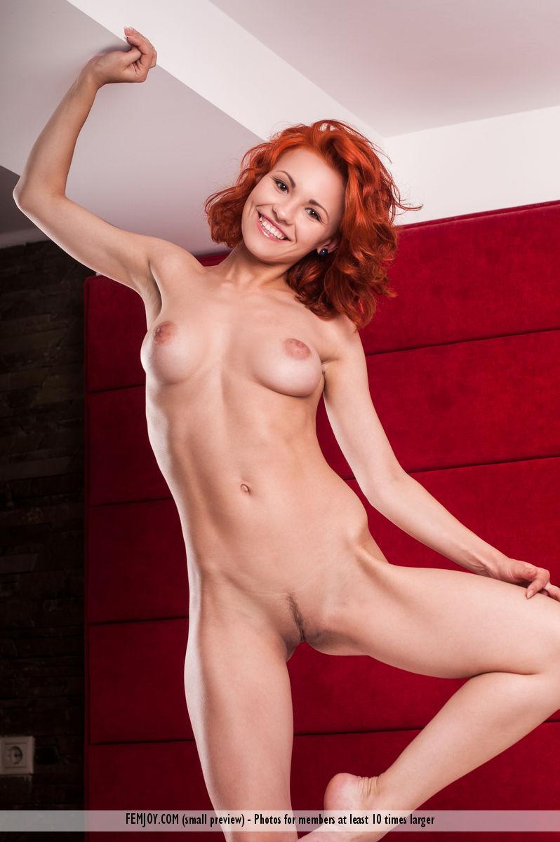 jenaya-s-redhead-green-lingerie-femjoy-15