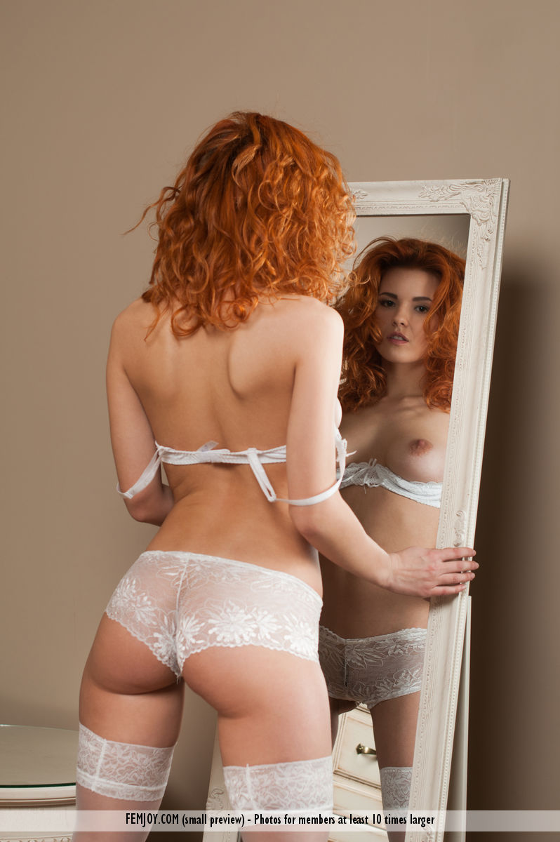 jenaya-s-white-stockings-mirror-femjoy-03