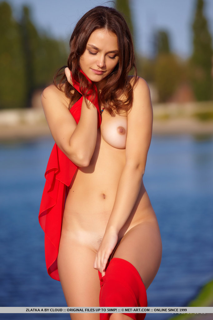 zlatka-a-nude-by-the-river-metart-03