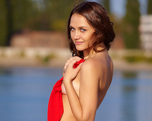 zlatka-a-nude-by-the-river-metart