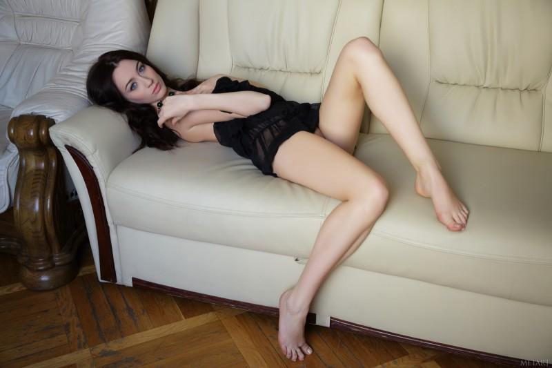 zsanett-tormay-nude-sofa-met-art-12