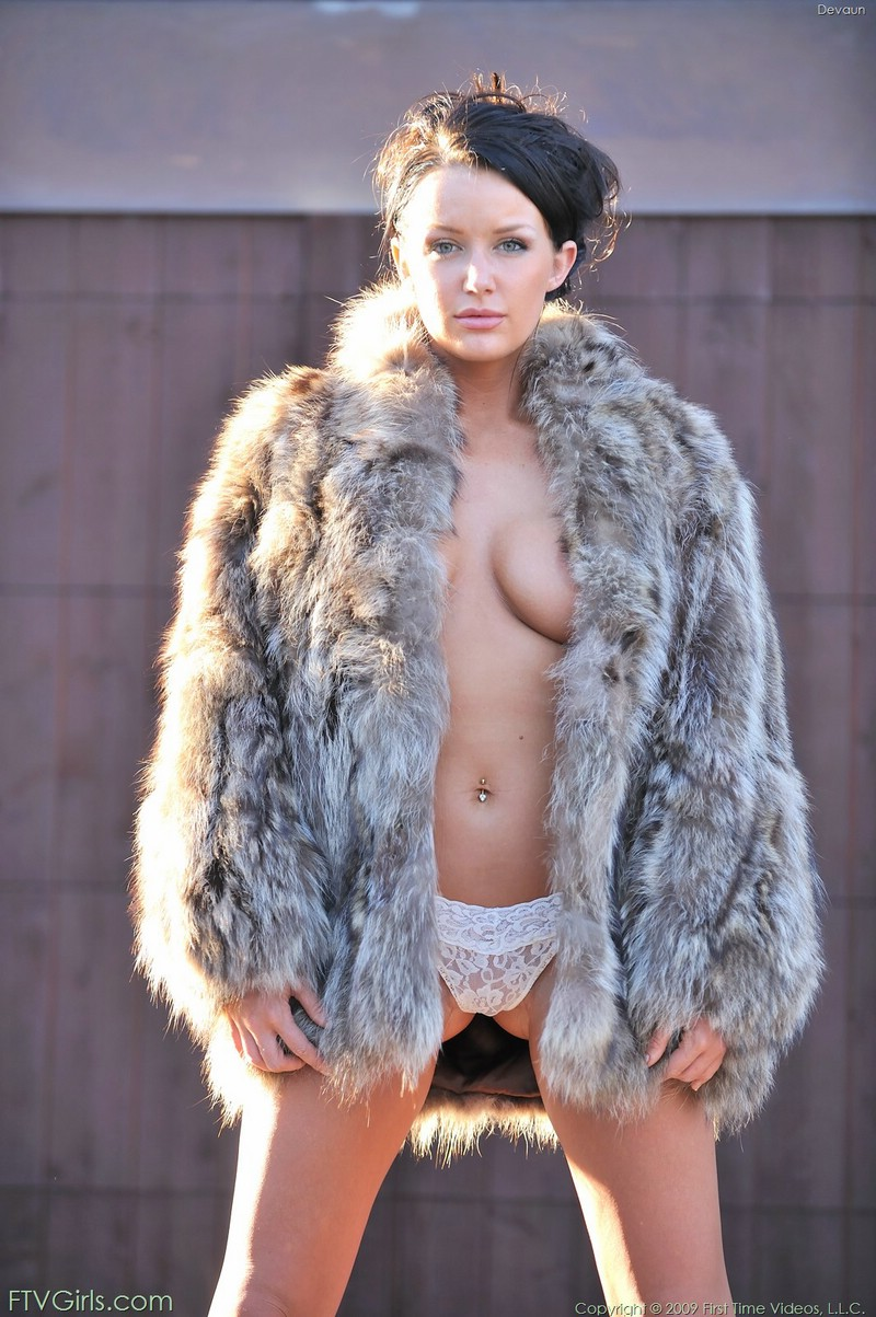 Devaun in fur coat