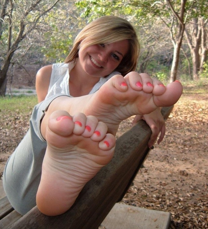 Feet lovers