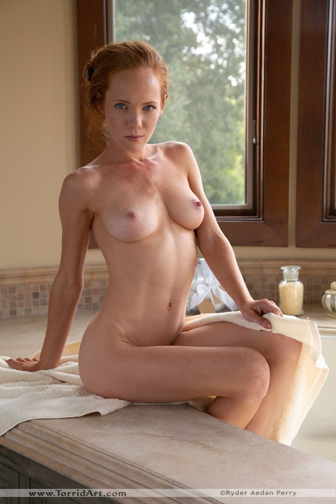 Heather Playing With Her Hairy Pussy In The Bathtub