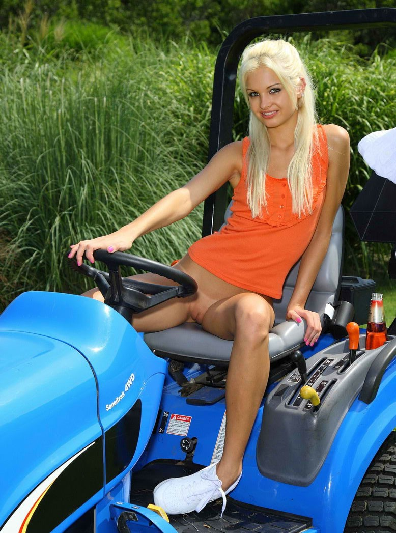 Apologise, naked woman on riding lawnmower share your