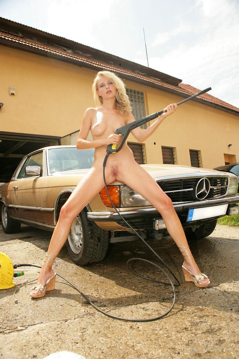 Mercedes SL W107