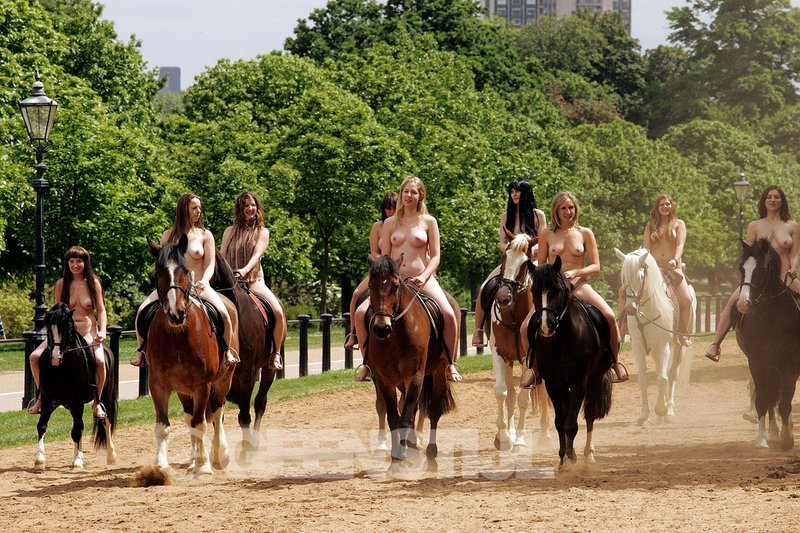 Naked girls on horses