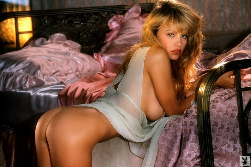 Drunk naked women sexting pics