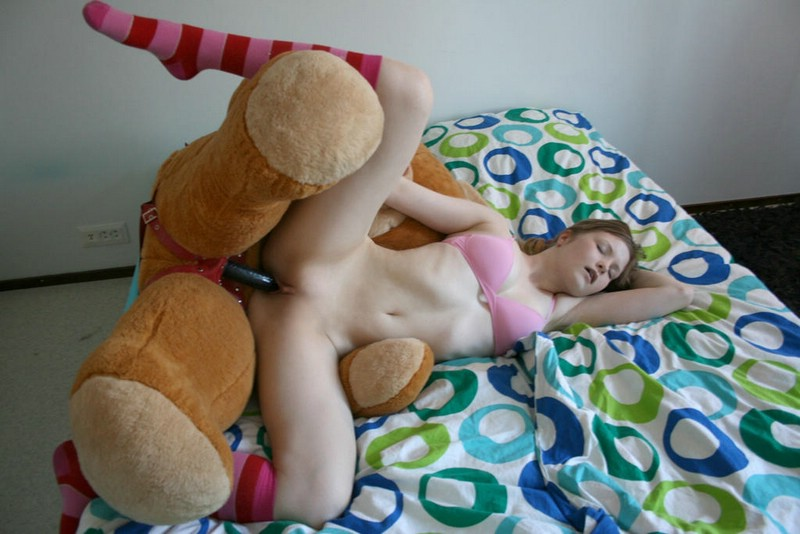 sex nude with teddy bear