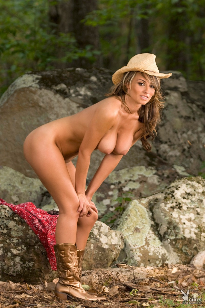 cowgirls naked with boots
