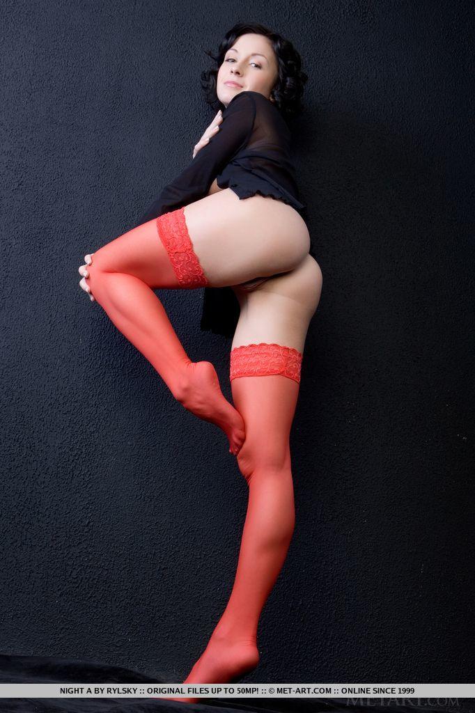 night-a-naked-red-stockings-metart-13