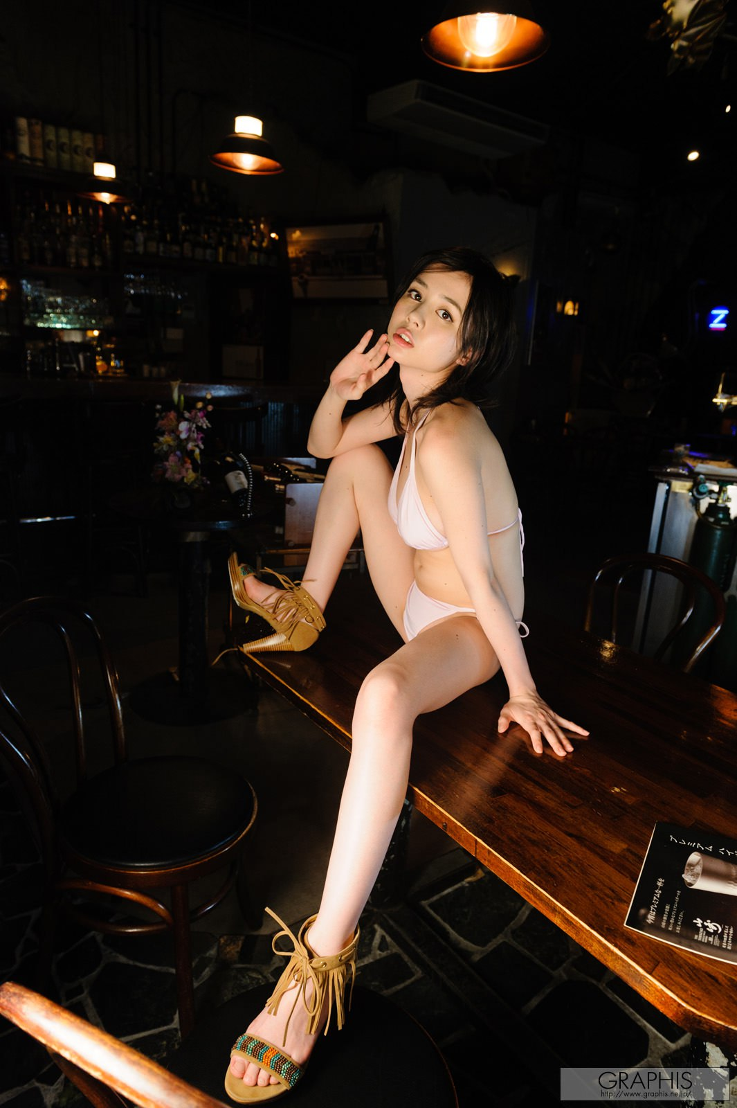 aimi-yoshikawa-boobs-naked-asian-bar-graphis-10