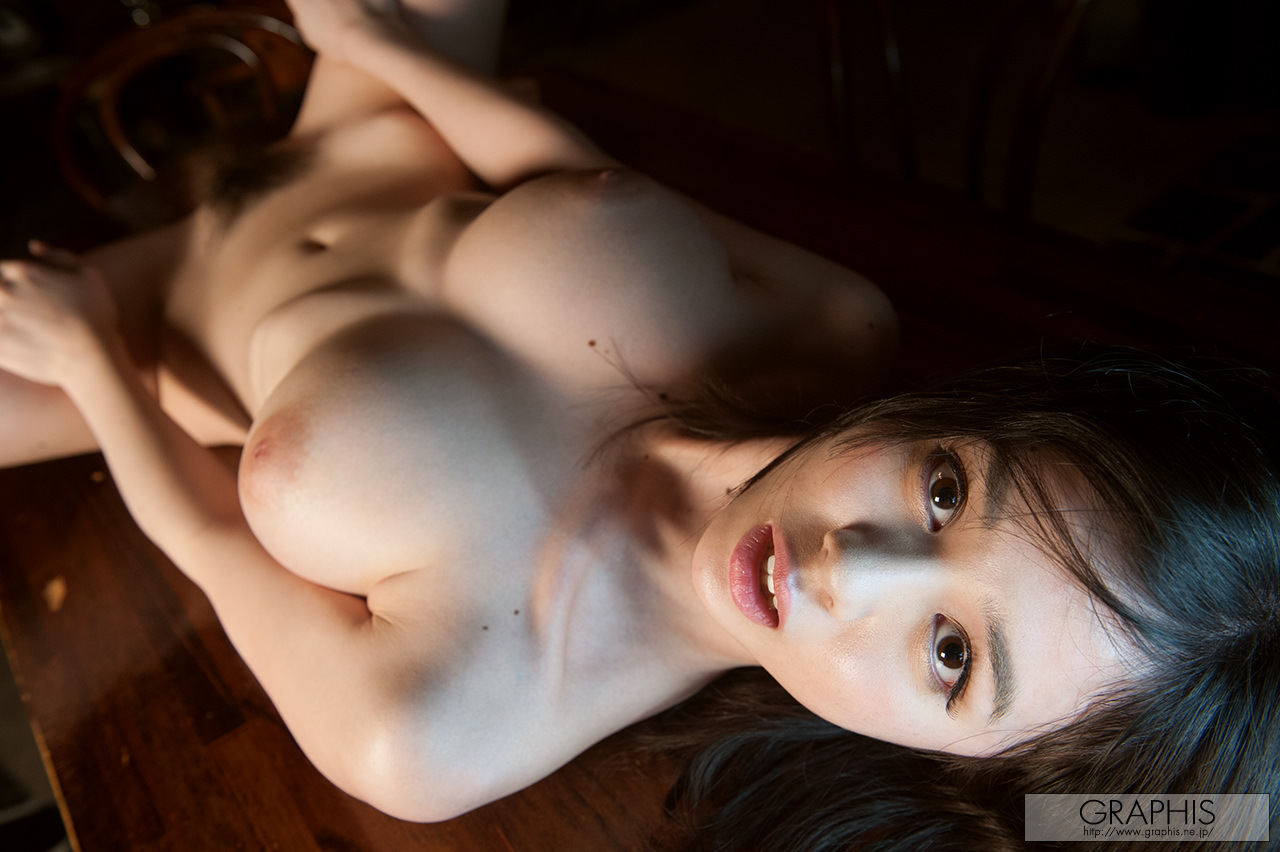 aimi-yoshikawa-boobs-naked-asian-bar-graphis-15