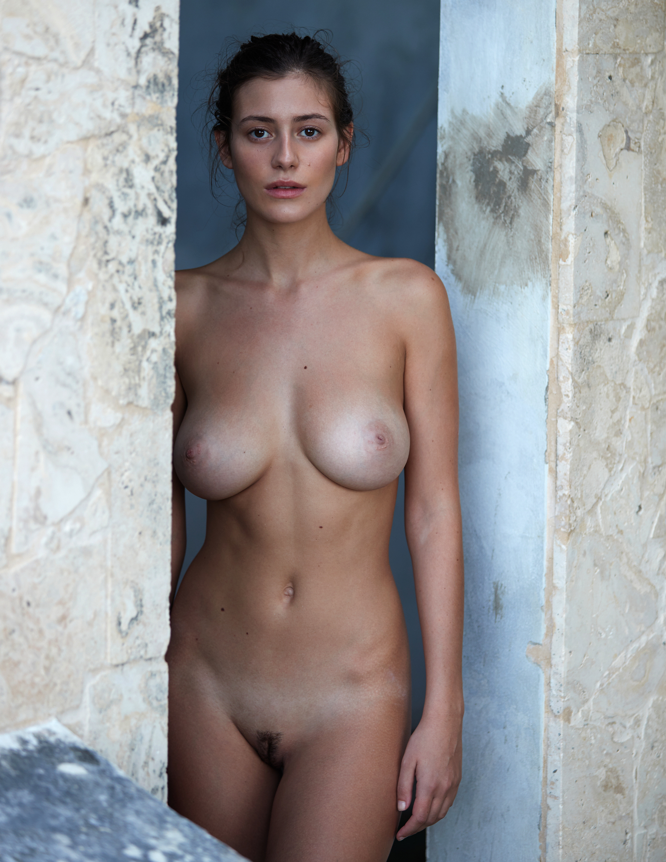 alejandra-guilmant-perfect-nude-body-erotic-treats-magazine-by-david-bellemere-07