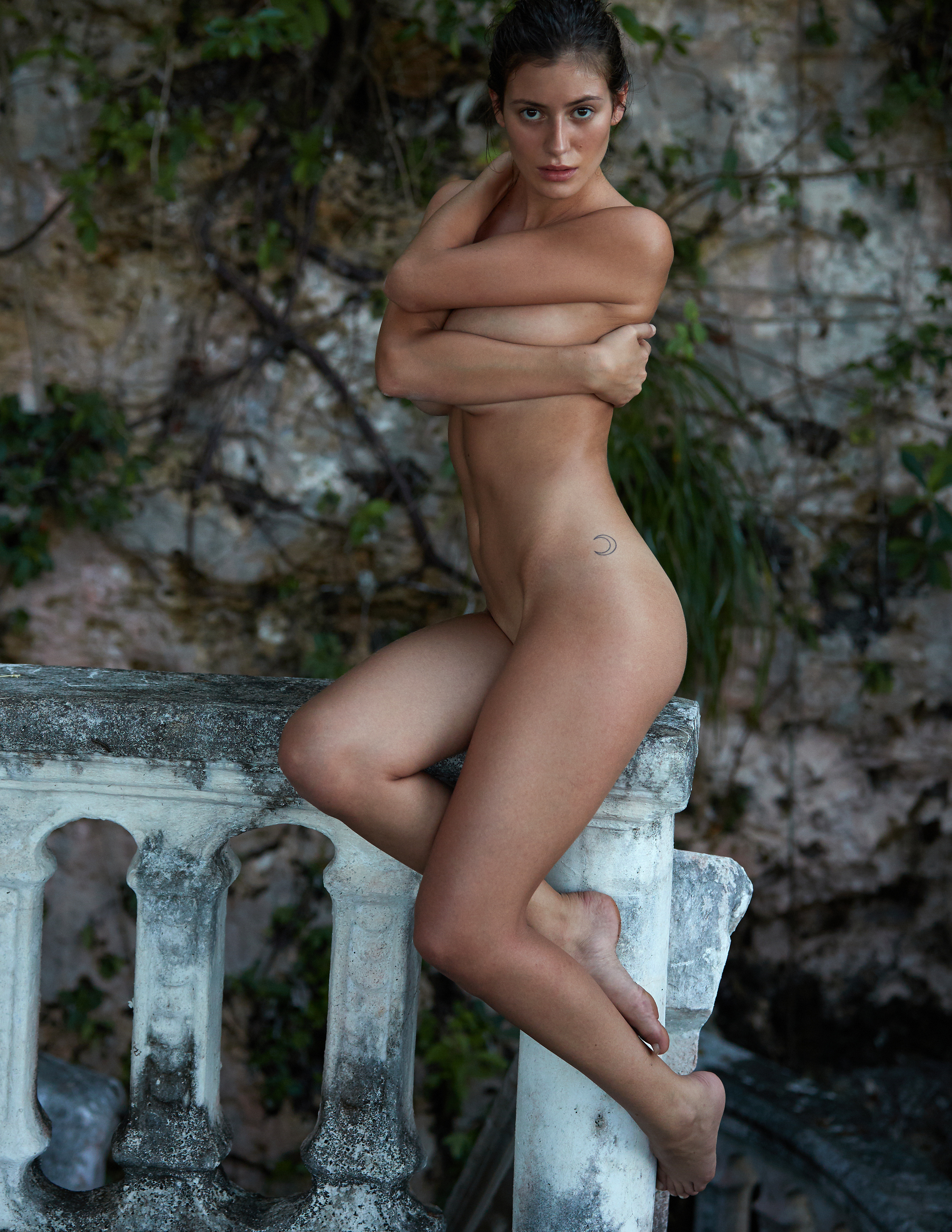 alejandra-guilmant-perfect-nude-body-erotic-treats-magazine-by-david-bellemere-08