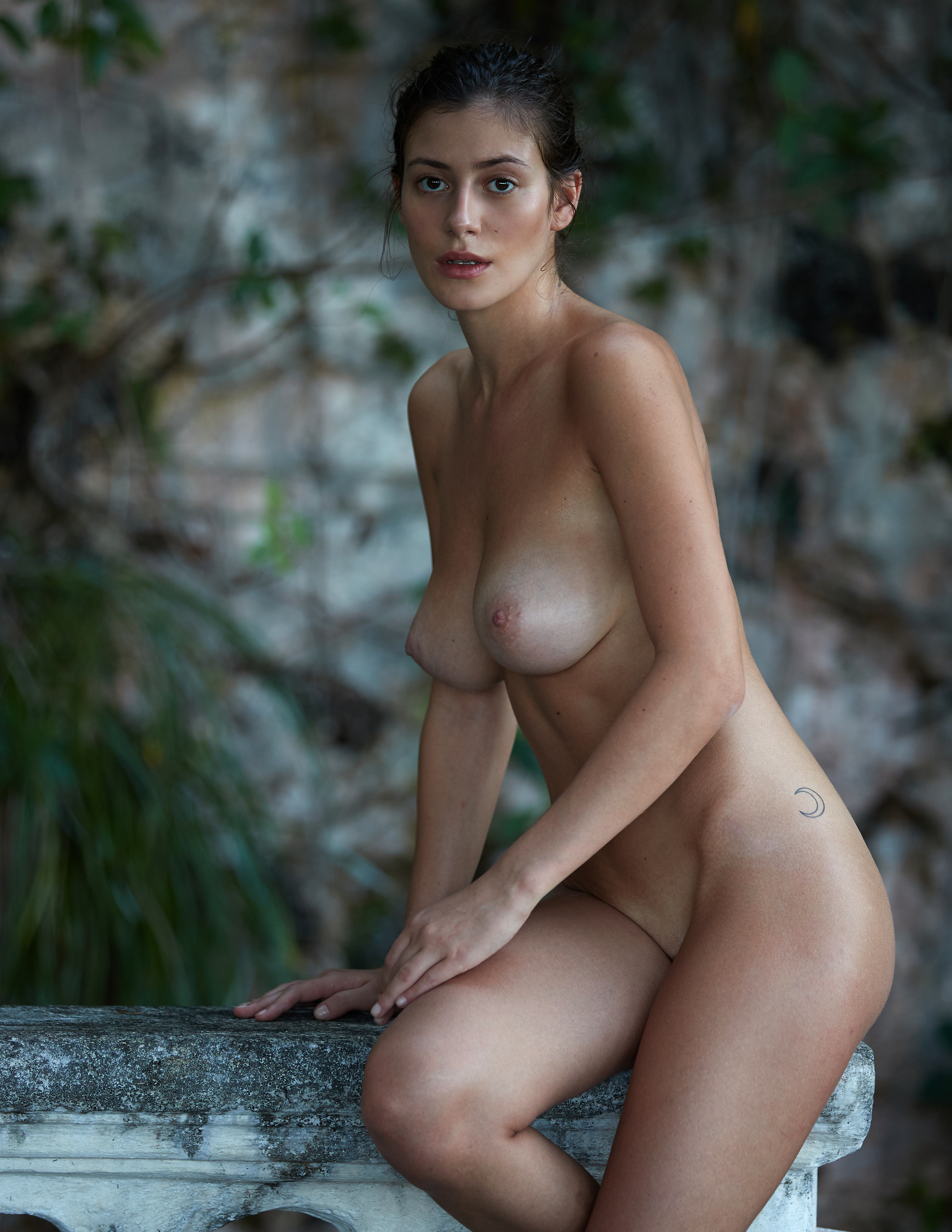 alejandra-guilmant-perfect-nude-body-erotic-treats-magazine-by-david-bellemere-10