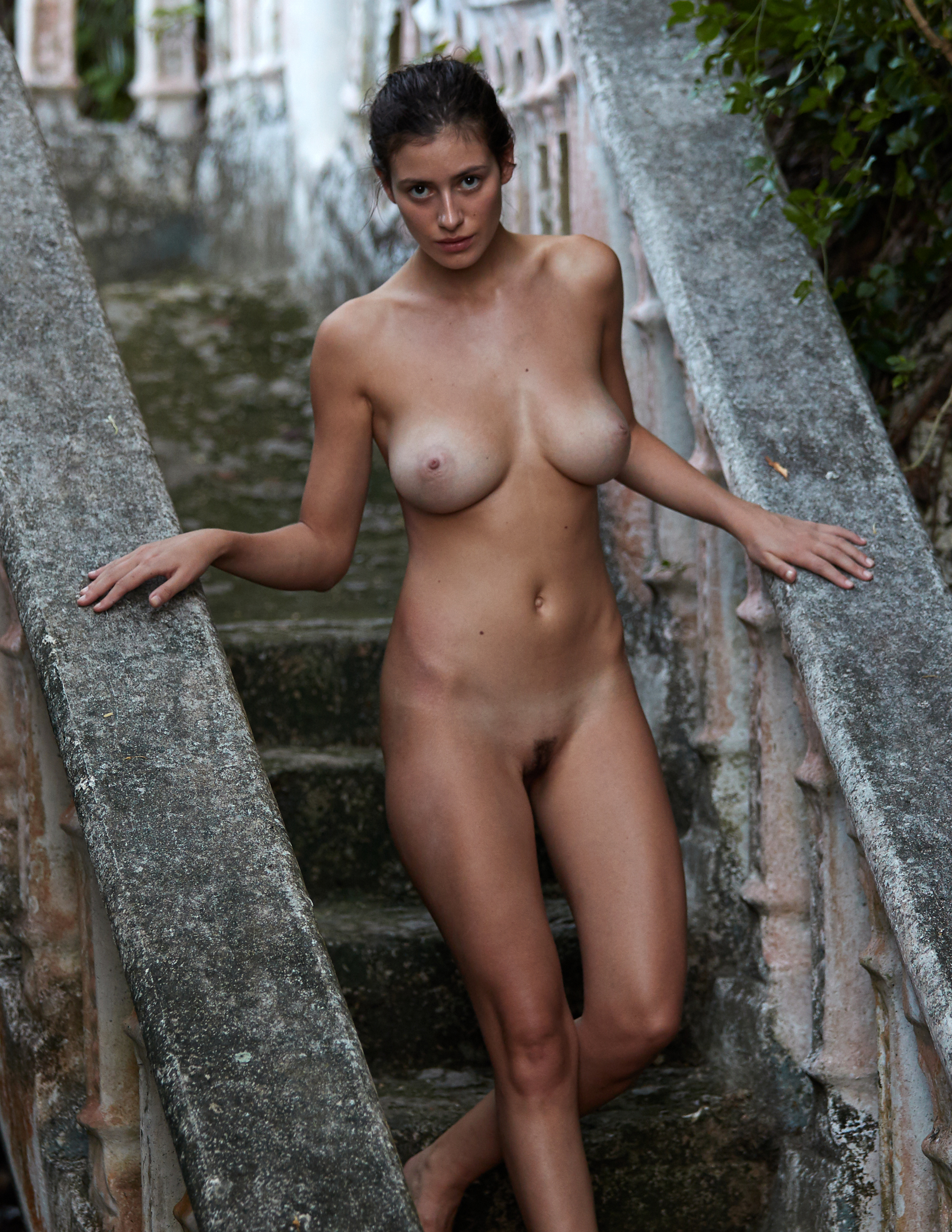 alejandra-guilmant-perfect-nude-body-erotic-treats-magazine-by-david-bellemere-14