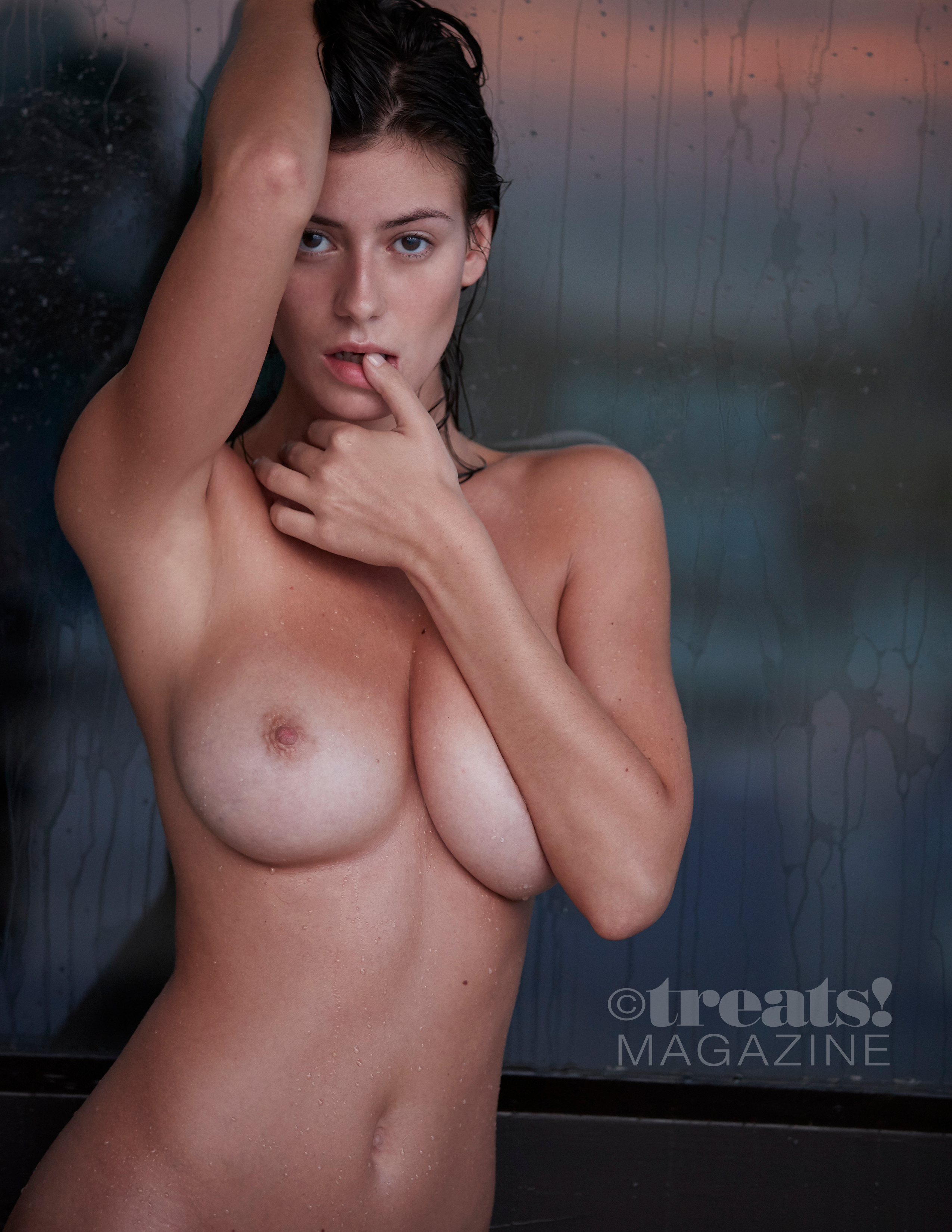 alejandra-guilmant-perfect-nude-body-erotic-treats-magazine-by-david-bellemere-25