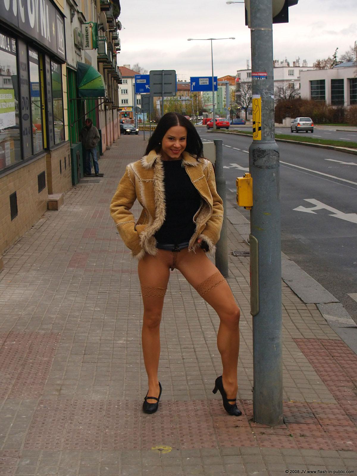 alexandra-g-bottomless-stockings-flash-in-public-03