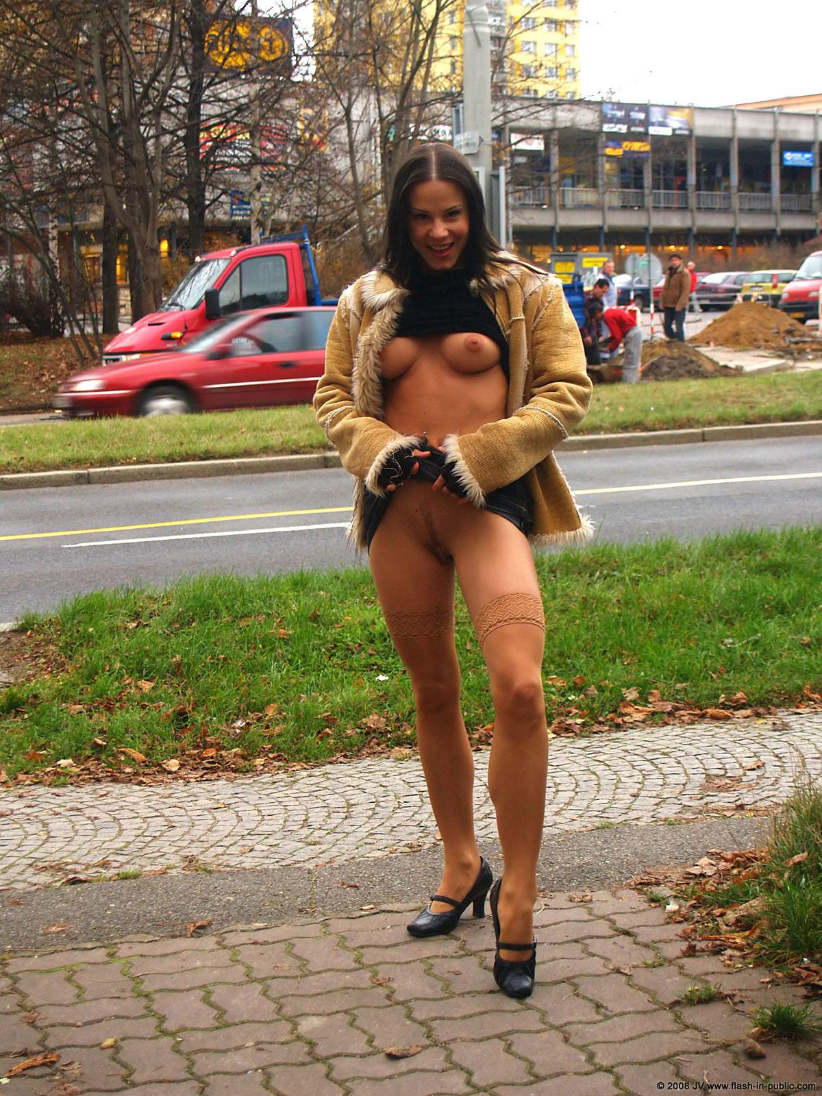 alexandra-g-bottomless-stockings-flash-in-public-15