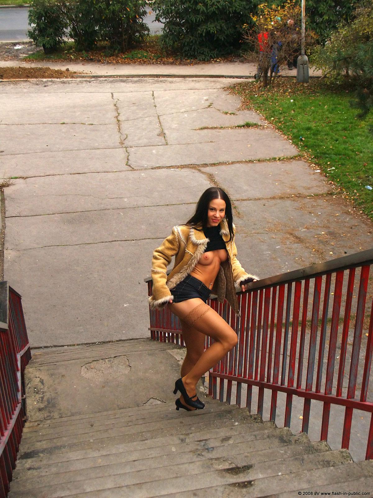 alexandra-g-bottomless-stockings-flash-in-public-18