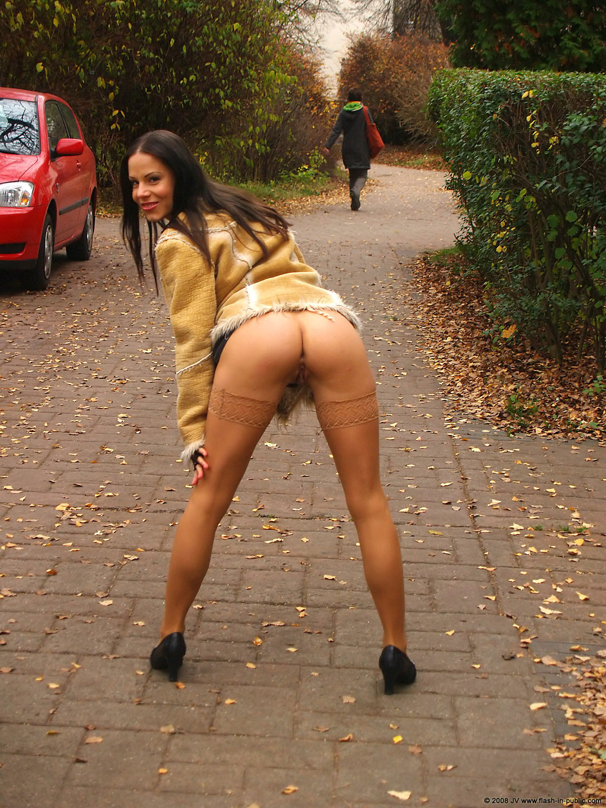 alexandra-g-bottomless-stockings-flash-in-public-21