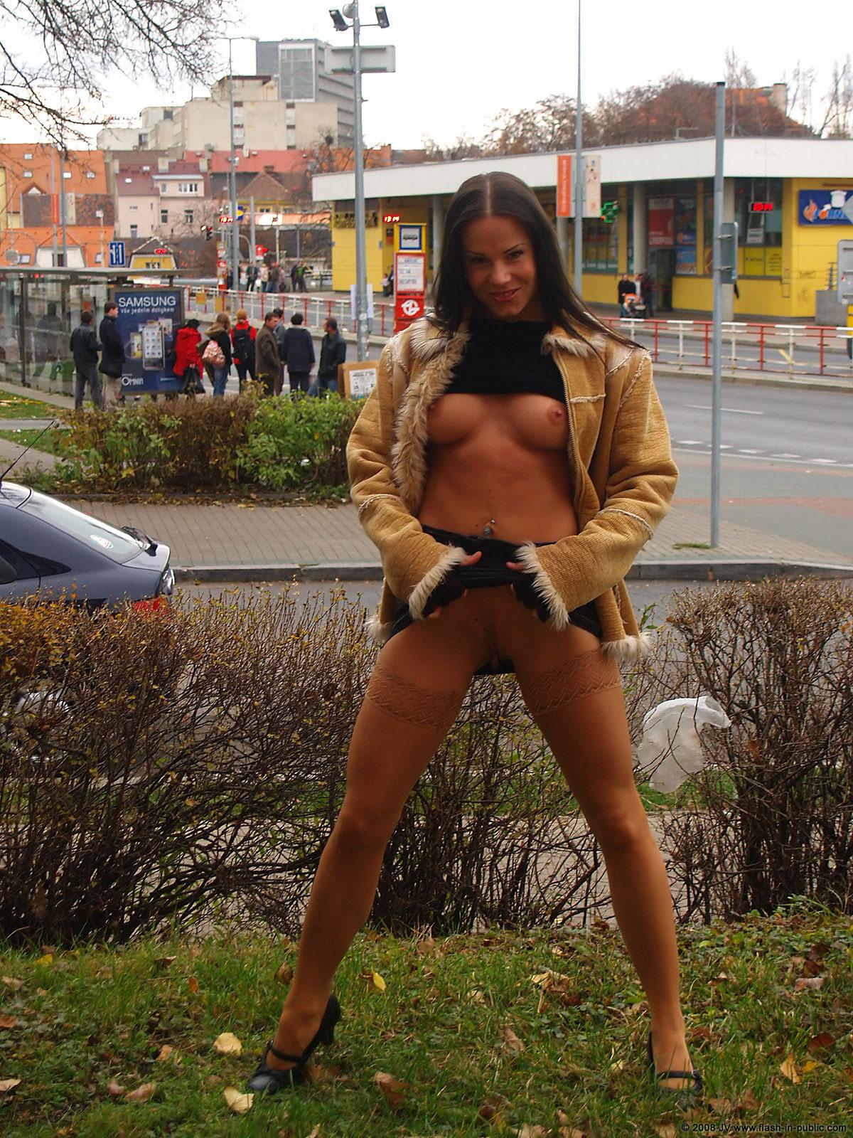 alexandra-g-bottomless-stockings-flash-in-public-25