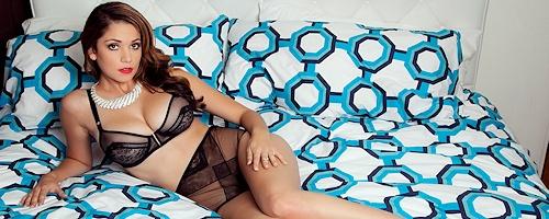 Ali Rose – Black lingerie & high heels