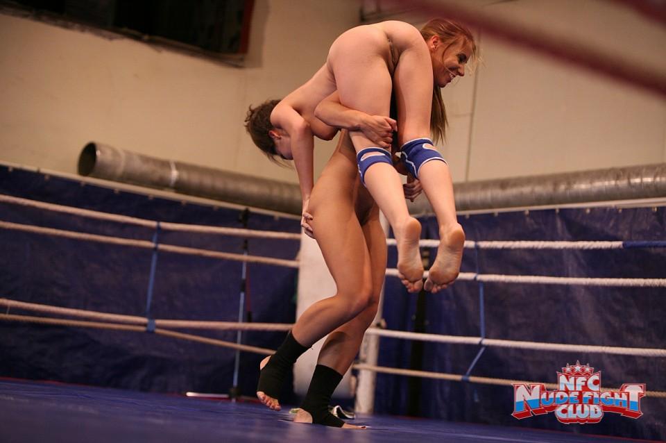 драка голых девушек на ринге полная версия - 4