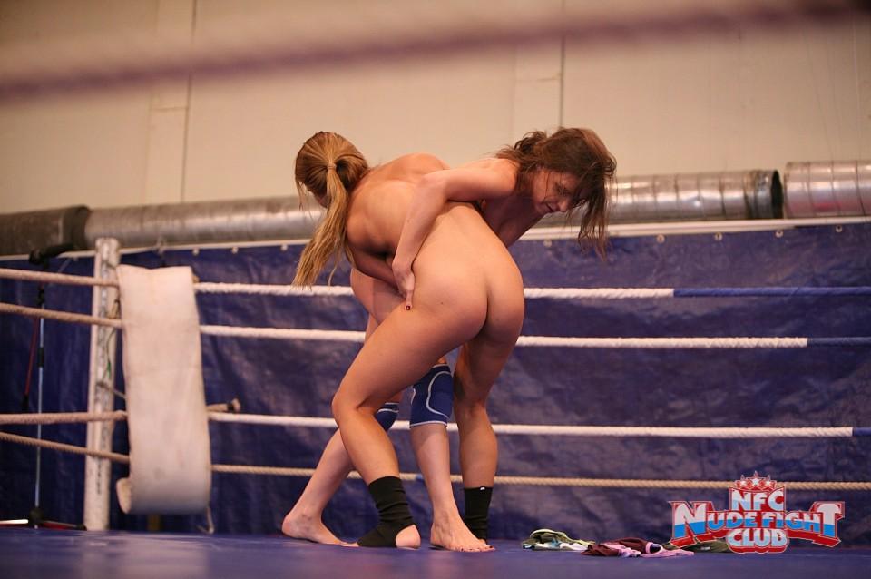драка голых девушек на ринге полная версия - 3