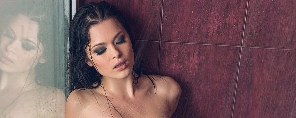 Alina Mayer in the shower