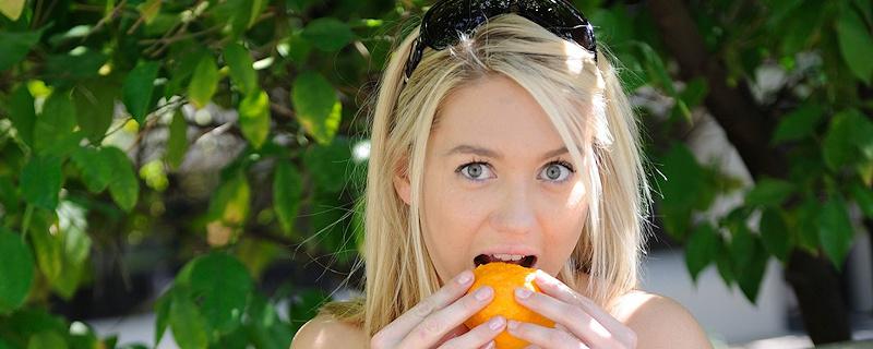 Alison Angel – Free oranges