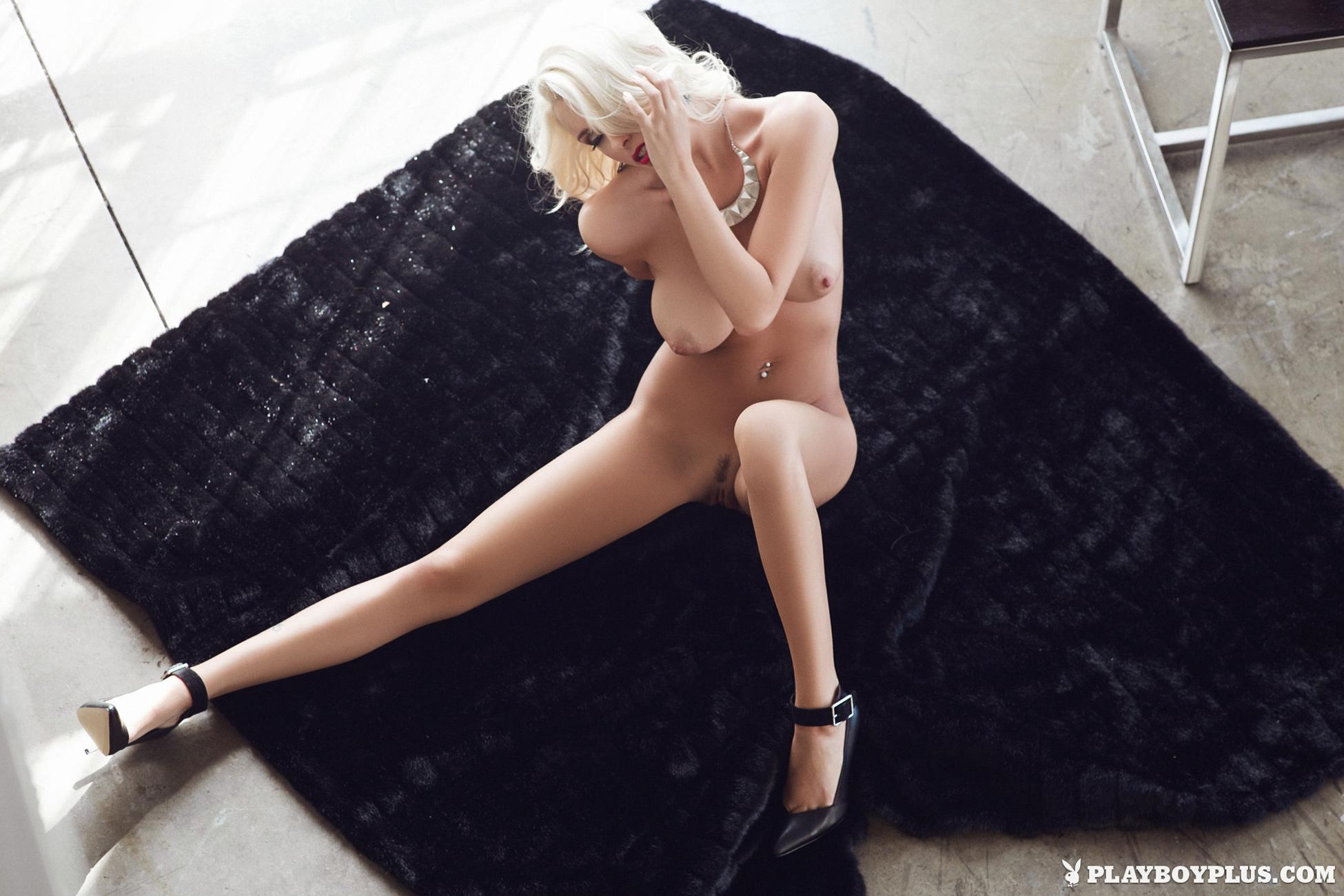 alissa-arden-blonde-nude-playboy-18