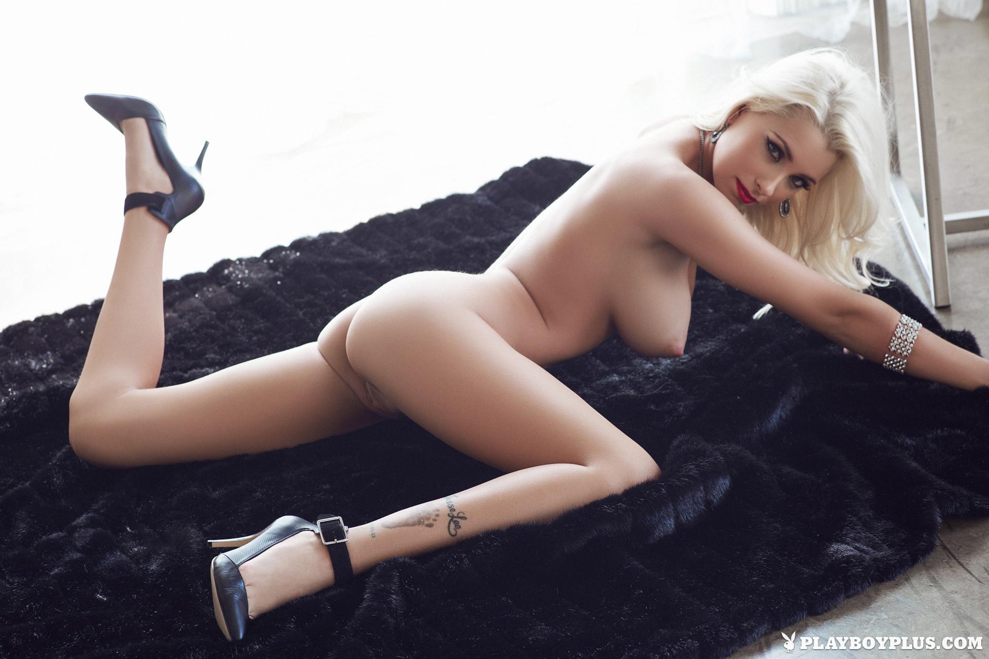 Alissa Arden  nackt