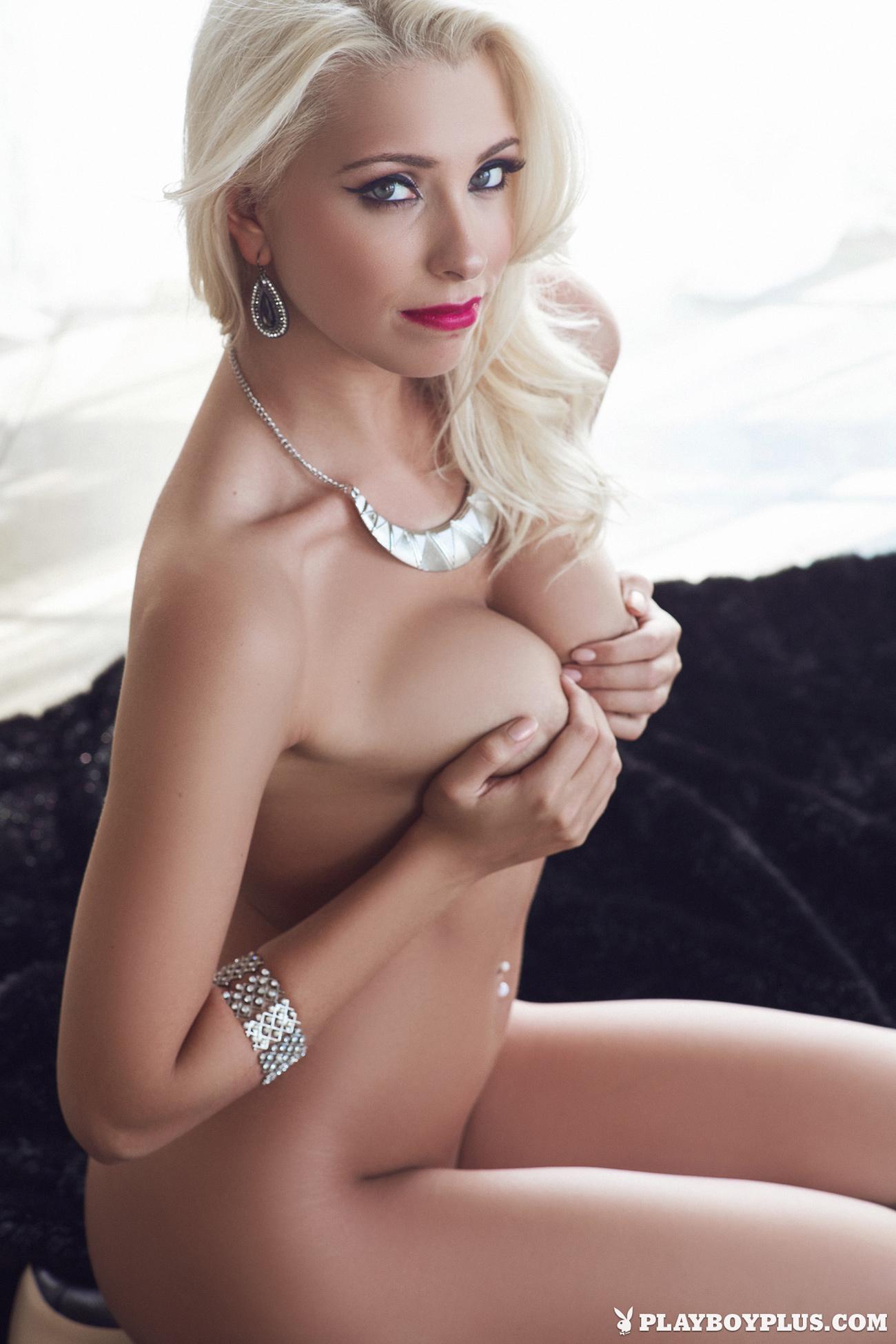 alissa-arden-blonde-nude-playboy-22