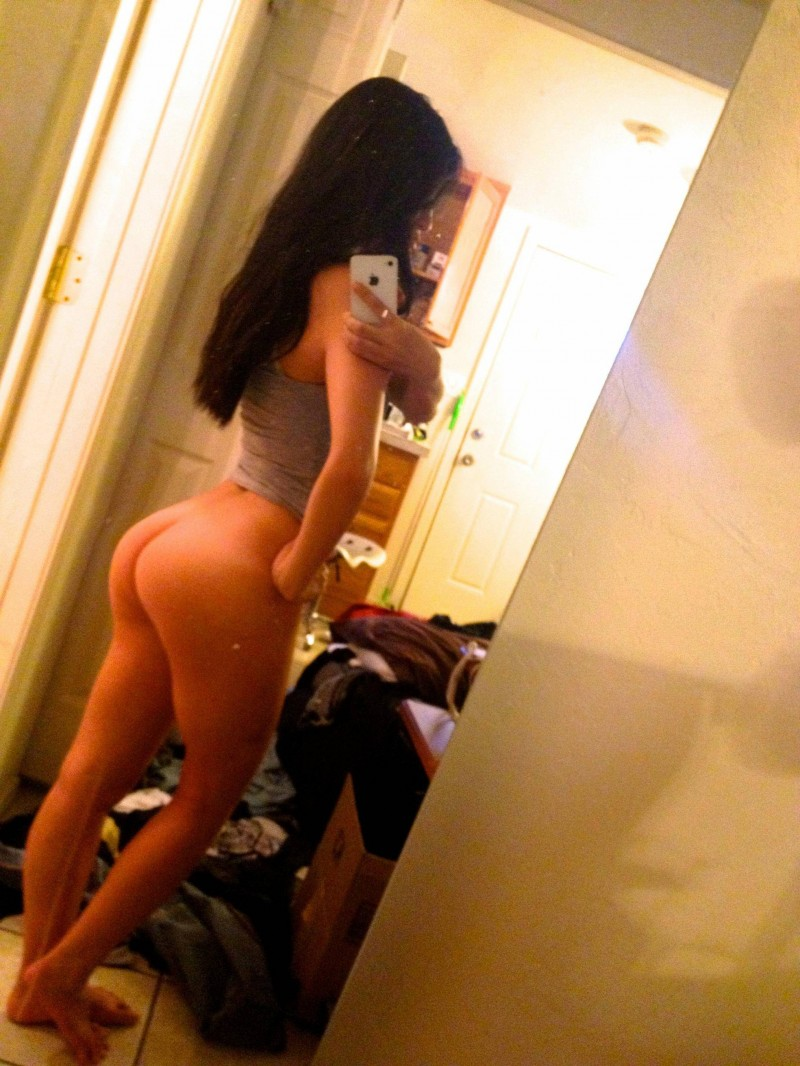 naked asian girl mirror shots
