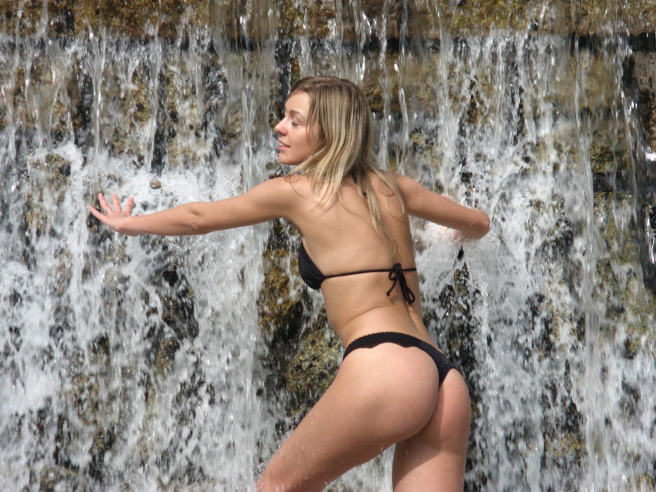 amateur-ex-girlfriend-blonde-nude-vacation-photos-11