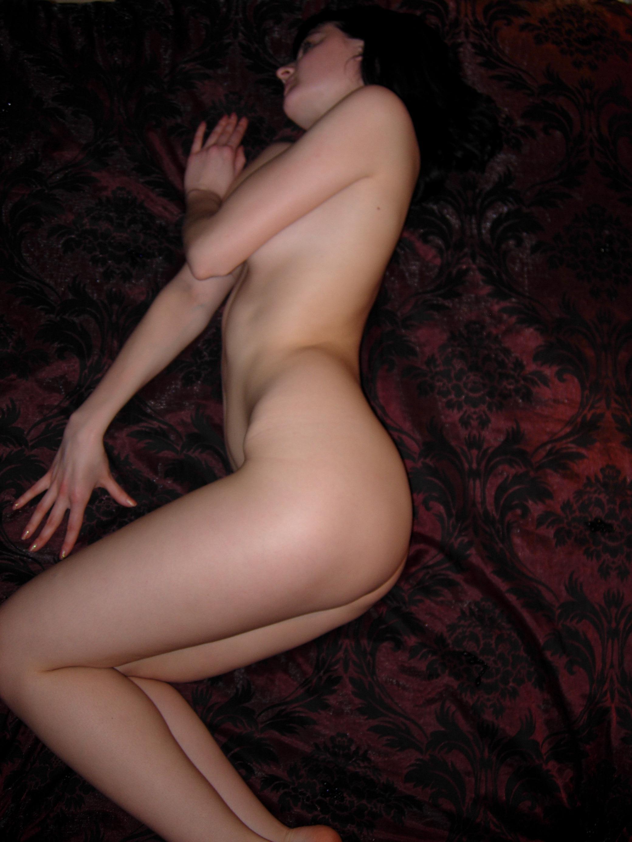 amateur-nude-brunette-bedroom-25