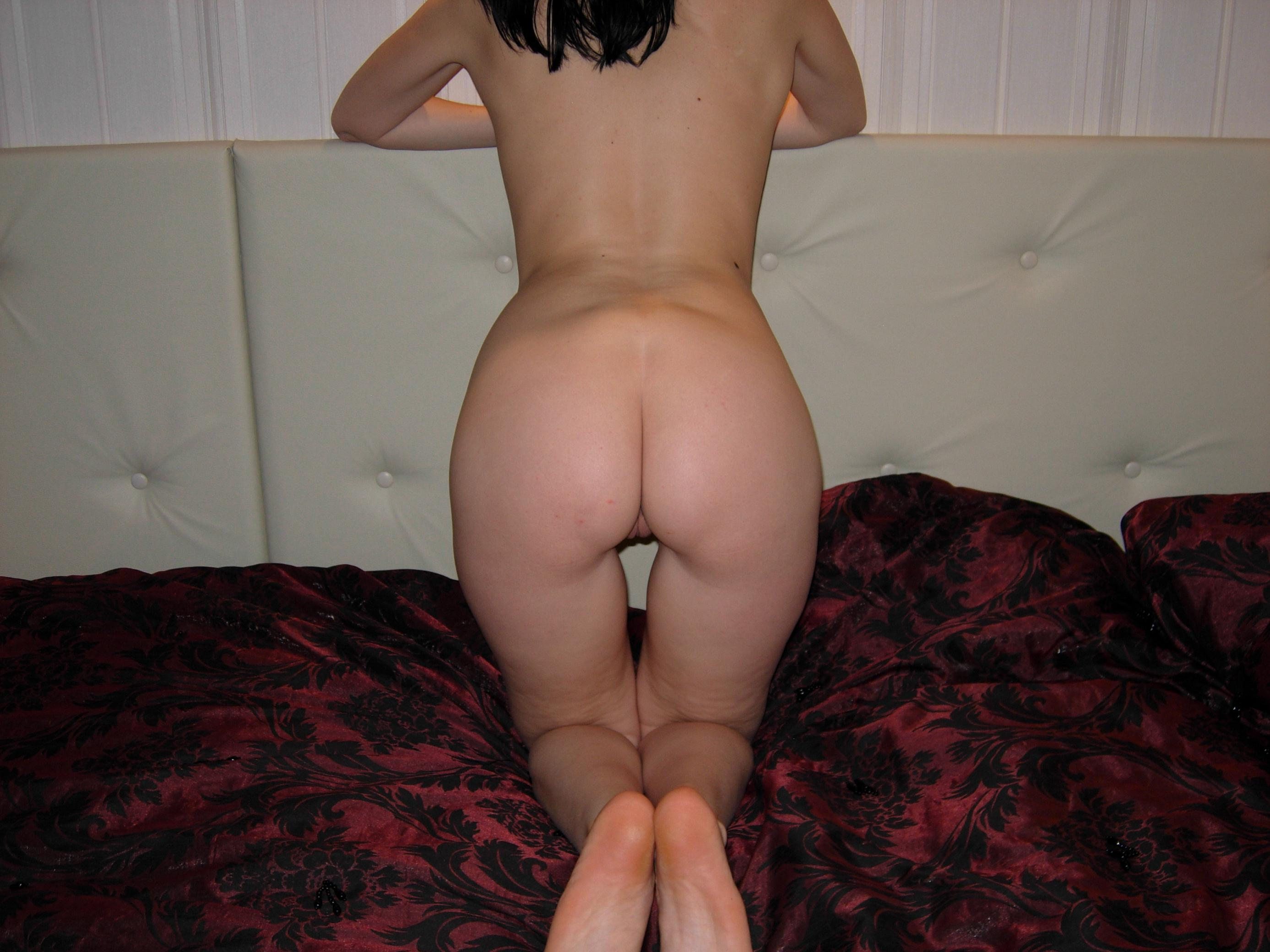 nackt amateur brunette