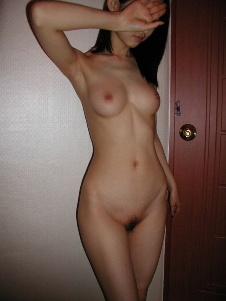 Naked girls sexing each other fingering