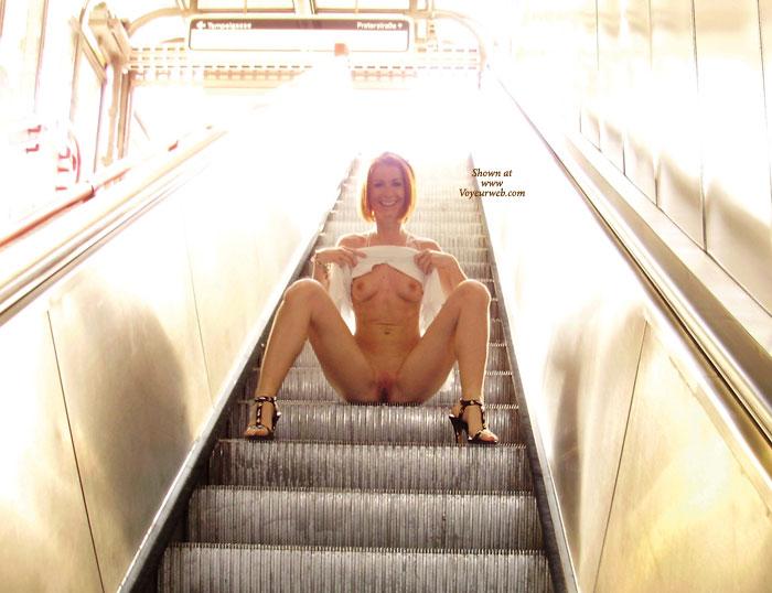 amateur-redhead-nude-in-public-35