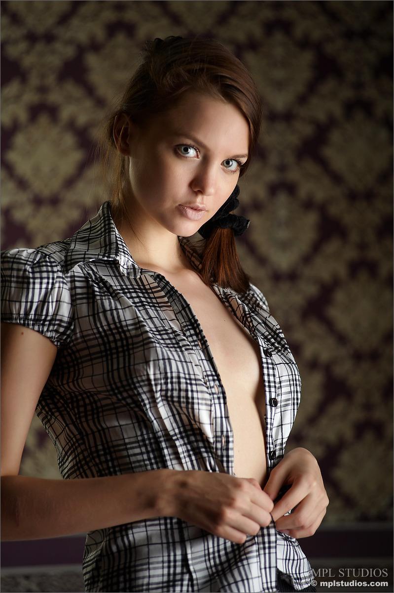 amelie-nude-mini-skirt-shirt-mplstudios-02