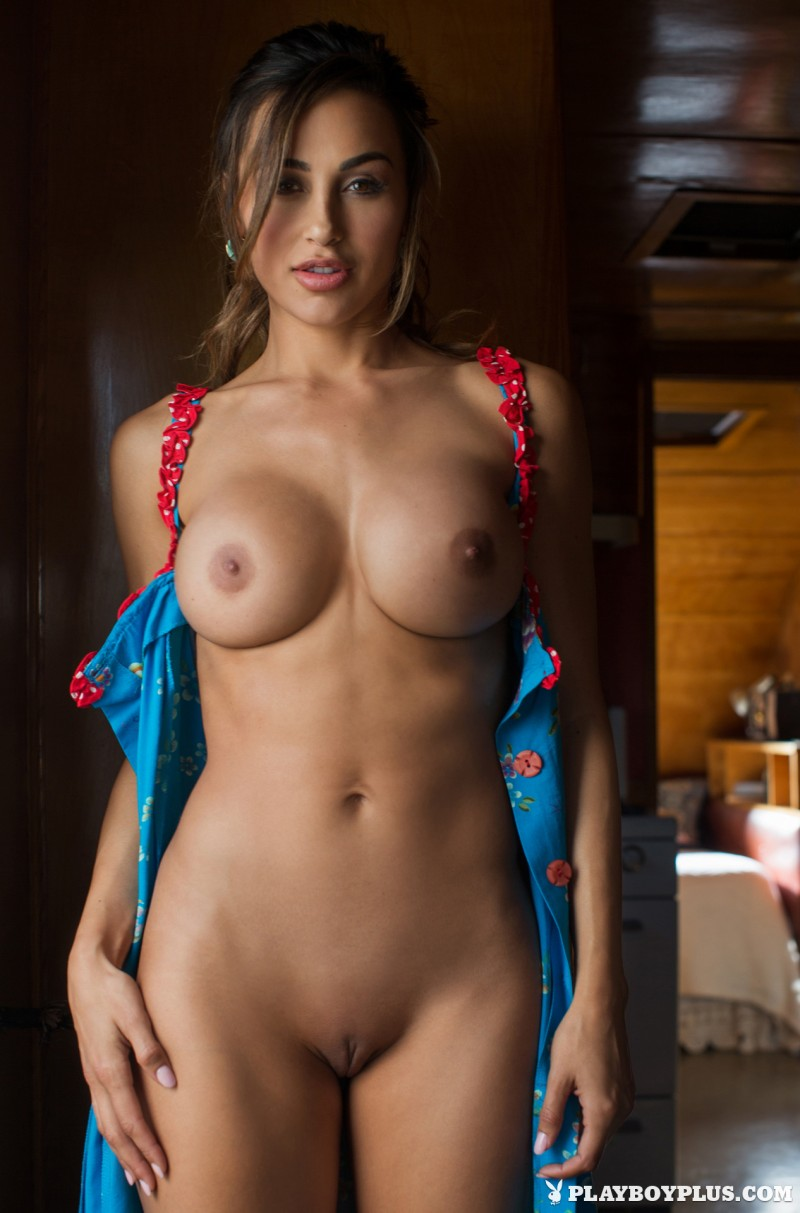 ana-cheri-mobile-home-trailer-nude-playboy-09