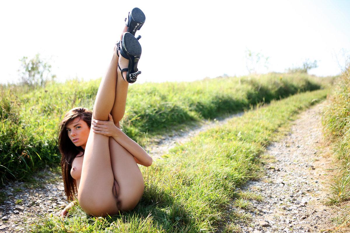 всем, что девушка на природе раздвинет ноги передо мной