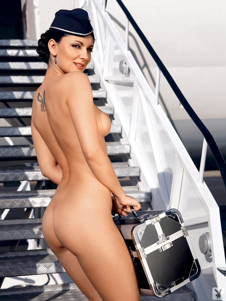 styuardessi-golie-video-video-narezka-burnih-muzhskih-orgazmov