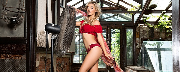 Anika Shay – It's getting hot!