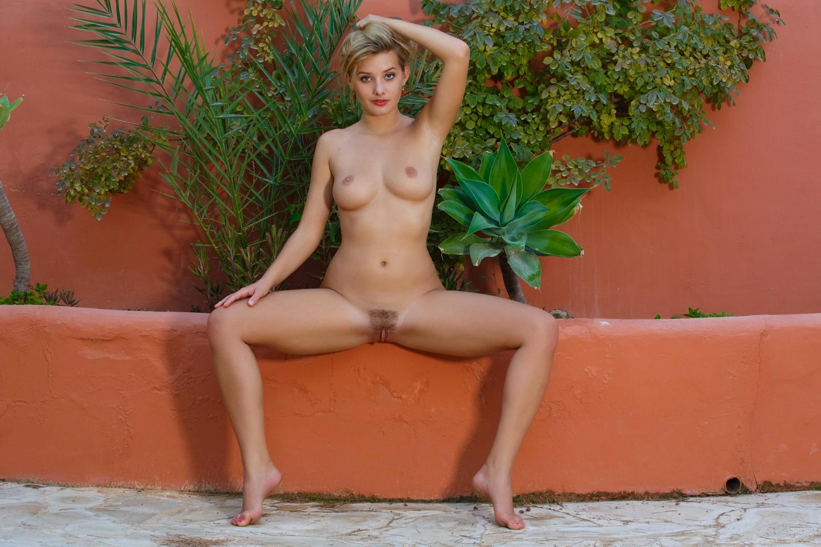 edwige-a-nude-perfect-tits-nice-ass-metart-32
