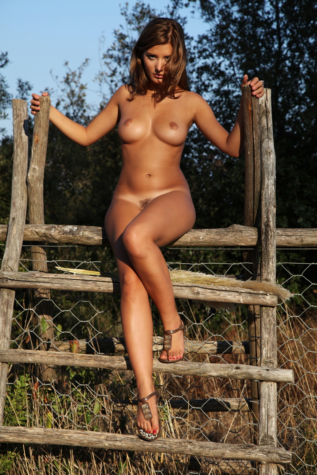 edwige-a-boobs-naked-outdoor-woods-metart-19