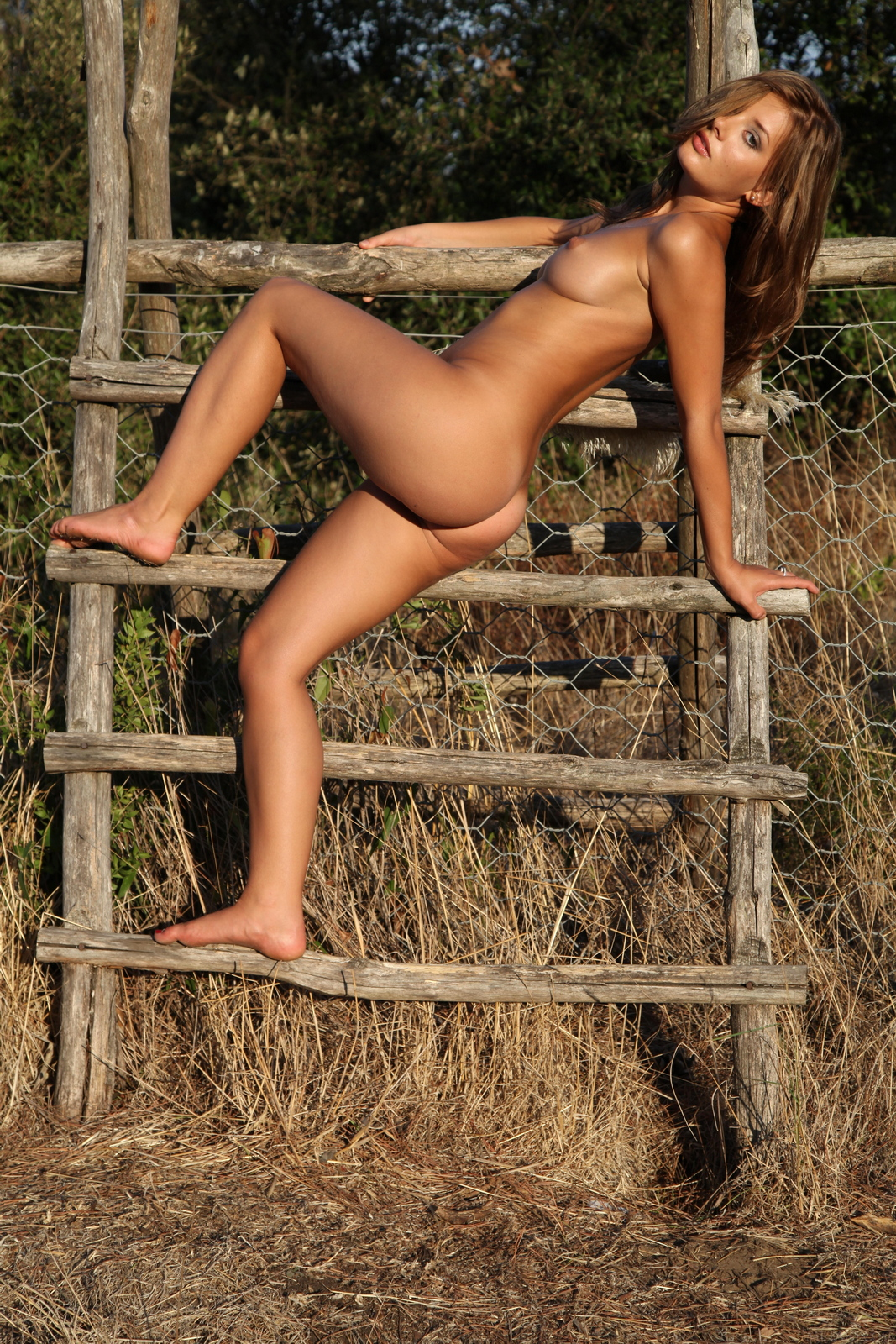 edwige-a-boobs-naked-outdoor-woods-metart-45